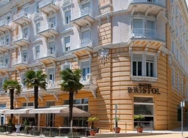 Hotel Bristol in Astoria - Avgust v...