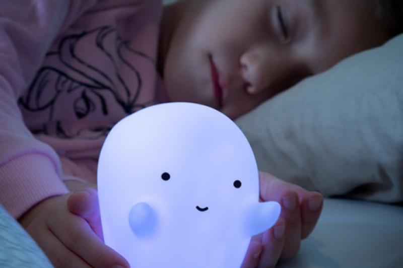 Otroška led nočna lučka - prijazni duhec