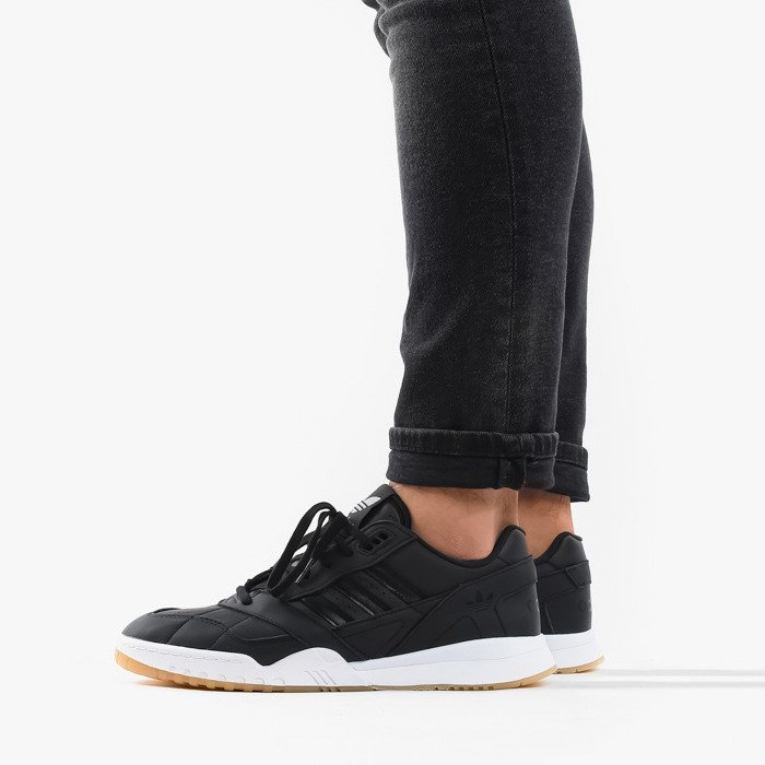 adidas Originals A.R. Trainer EE5404